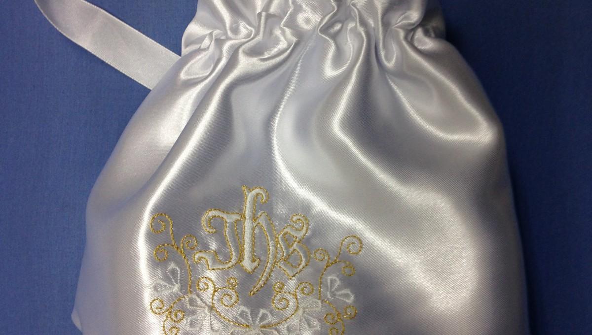 Torebka komunijna atłas IHS złoty kwiat